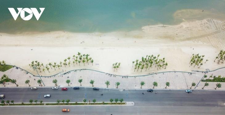 Bãi tắm mới trên đường bao biển Hạ Long sẽ khai trương dịp nghỉ lễ 30/4 - ảnh 2