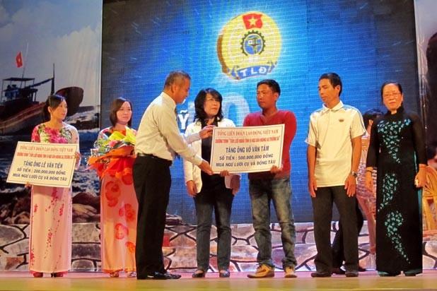 Programa de intercambio por los pescadores en Truong Sa y Hoang Sa - ảnh 1