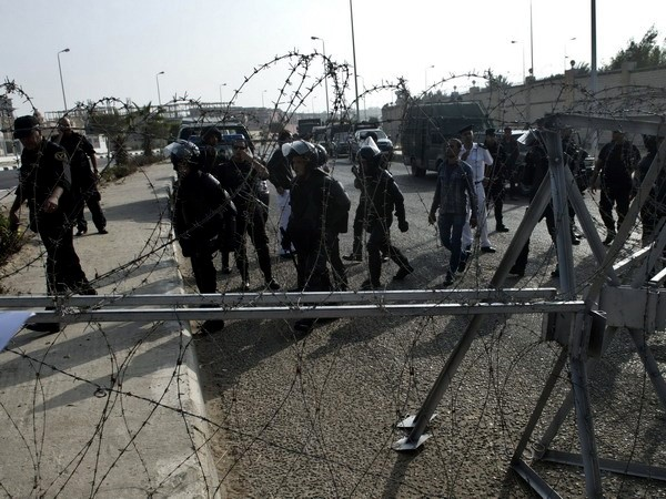 Despliegue de fuerzas de seguridad para juicio a presidente Mursi - ảnh 1
