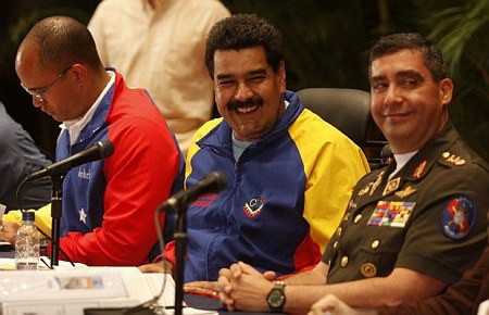 Presidente venezolano dispone cambios en equipo ministerial - ảnh 1