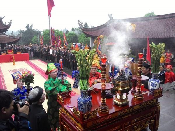 Emprende Phu Tho homenaje a los fundadores de la nación vietnamita - ảnh 2
