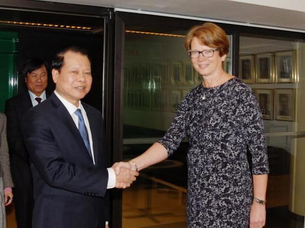 Cumple viceprimer ministro de Vietnam agenda de trabajo en Suecia - ảnh 1