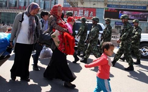 Decenas de muertos en atentado en la zona china de Xinjiang - ảnh 1