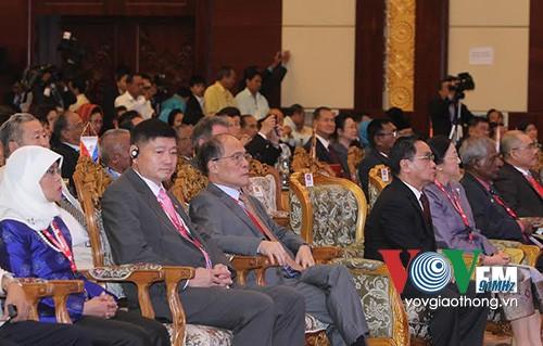 Afirma Asamblea Interparlamentaria de ASEAN su papel en futura Comunidad regional - ảnh 2