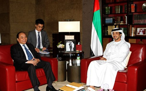Vietnam acoge a empresas, bancos y fondos de inversión de Emiratos Árabes Unidos  - ảnh 1