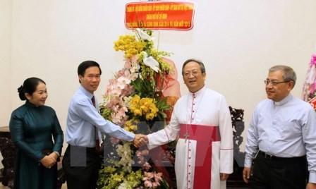 Felicitan autoridades de Ciudad Ho Chi Minh a católicos y protestantes por Navidad  - ảnh 1