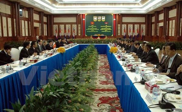 Vietnam y Camboya enfrentan codo a codo conspiraciones contra su solidaria amistad - ảnh 1