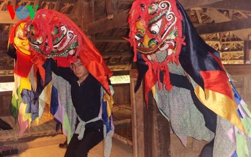 Los Tay reciben alegremente la fiesta tradicional - ảnh 3