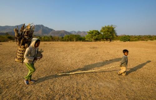 Niños de minorías étnicas a través del lente fotográfico - ảnh 11