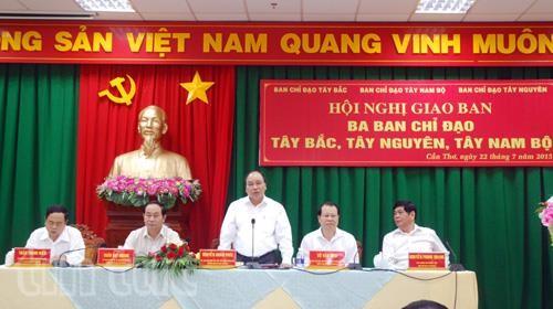 Refuerza Vietnam desarrollo en tres regiones estratégicas - ảnh 1