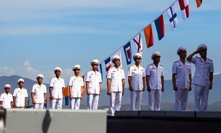 Armada vietnamita iza bandera nacional en submarinos - ảnh 1