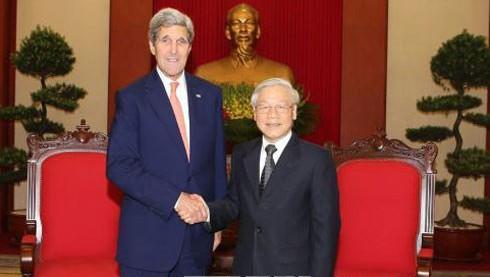 Dirigentes vietnamitas reciben al secretario de Estado estadounidense, John Kerry  - ảnh 1
