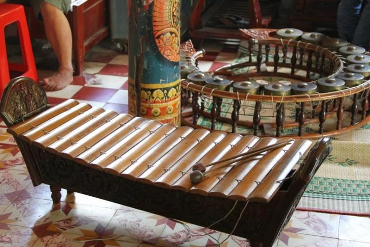 Concierto de instrumentos tradicionales del pueblo jemer en la Pagoda Doi - ảnh 2