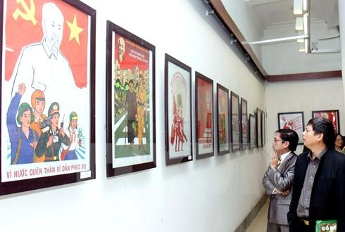 Continúan completando borrador del texto político del Partido Comunista de Vietnam - ảnh 1