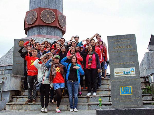 Torre de la bandera nacional de Lung Cu, símbolo de las 54 etnias vietnamitas  - ảnh 2