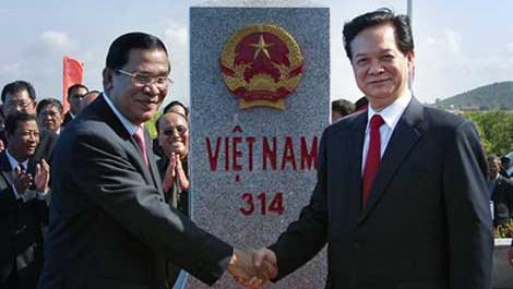 En terminación localización de hitos limítrofes entre Cambodia, y Vietnam, Laos y Tailandia  - ảnh 1