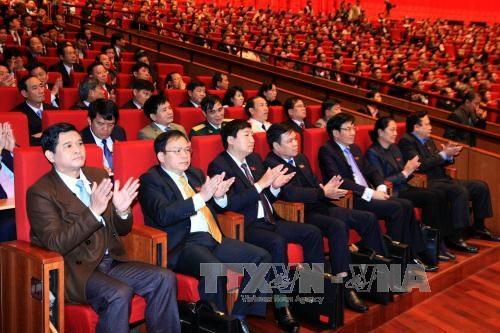 XII Congreso del Partido Comunista de Vietnam aborda plan del personal - ảnh 1