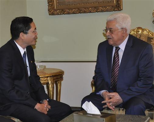 Vietnam y Palestina abogan por buscar una solución pacífica de conflictos - ảnh 1