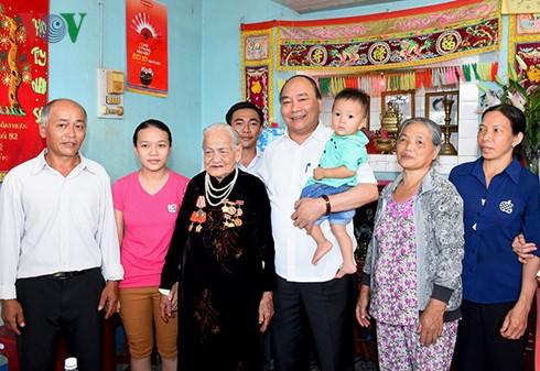 Primer ministro vietnamita visita la provincia de Dak Lak - ảnh 1