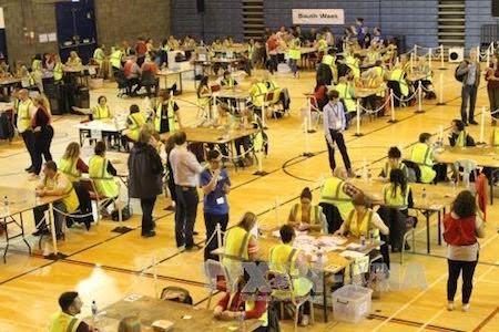 Concluye referéndum histórico sobre futuro de Reino Unido  - ảnh 1