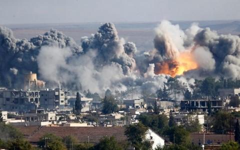 Se reanudan intensos combates en Siria después del alto el fuego - ảnh 1