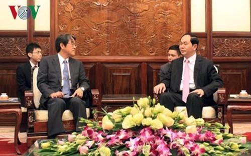 Presidente de Vietnam recibe a nuevos embajadores en Hanoi - ảnh 2