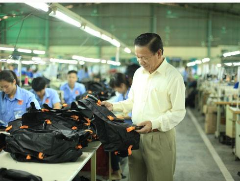 Empresario Dinh Quang Bao entre ciudadanos más destacados de Hanoi - ảnh 1