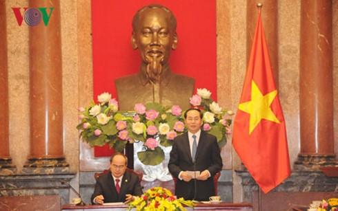 Fortalecen cooperación oficina presidencial y Frente de la Patria de Vietnam - ảnh 1