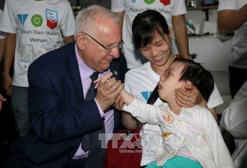 Finaliza exitosamente presidente israelí visita oficial a Vietnam - ảnh 1