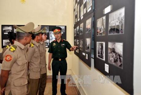Celebran en Cuba exposición fotográfica en saludo a la reunificación de Vietnam  - ảnh 1