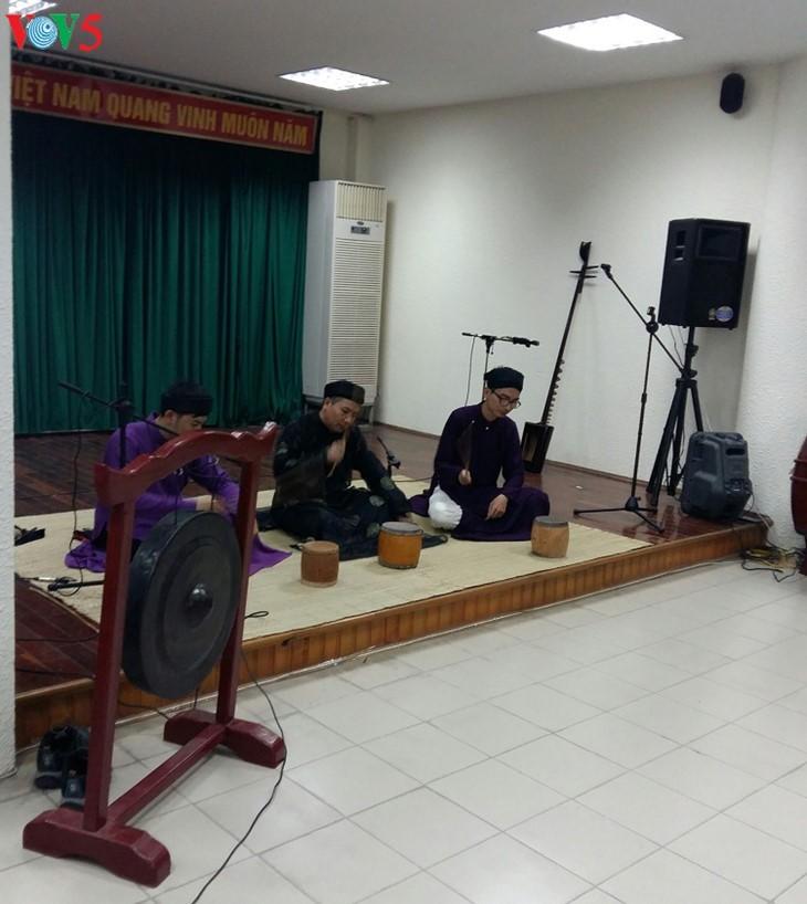 Exitoso proyecto de restaurar y promover arte tradicional en Hanói - ảnh 1