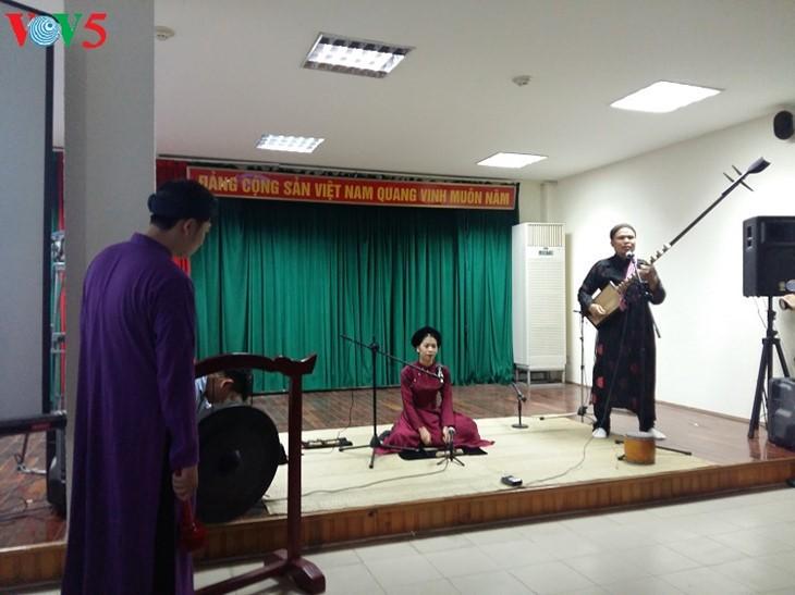 Exitoso proyecto de restaurar y promover arte tradicional en Hanói - ảnh 2