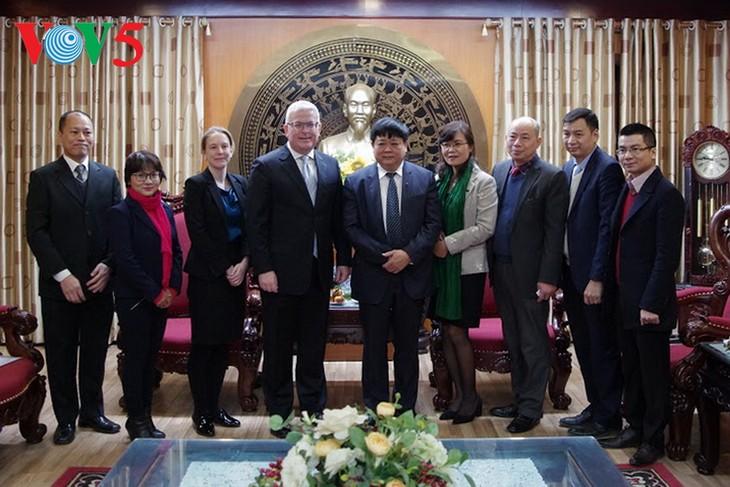 Vietnam aprecia el apoyo de Australia a su país en economía, educación, cultura y radio-televisión - ảnh 1