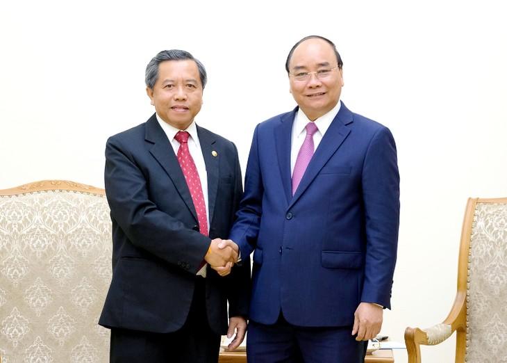 Vietnam aspira a estrechar cooperación con Laos en defensa y tecnología - ảnh 1