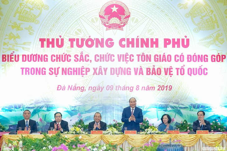 Premier vietnamita ensalza méritos de comunidades religiosas - ảnh 1