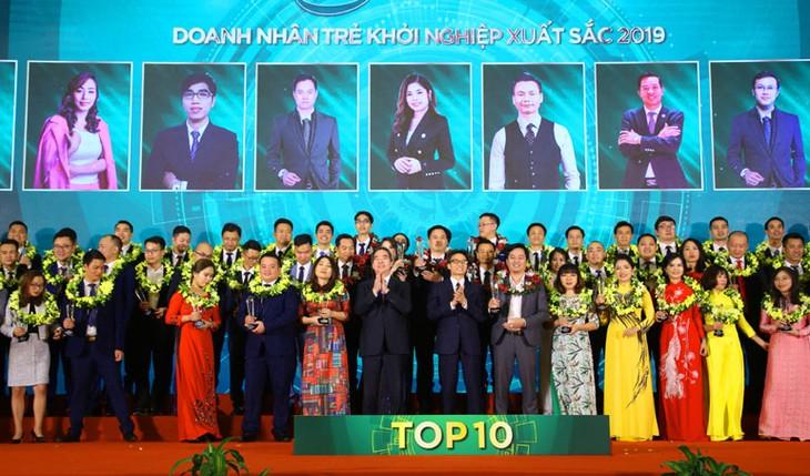 Distinguen a jóvenes emprendedores más sobresalientes de Vietnam en 2019 - ảnh 1