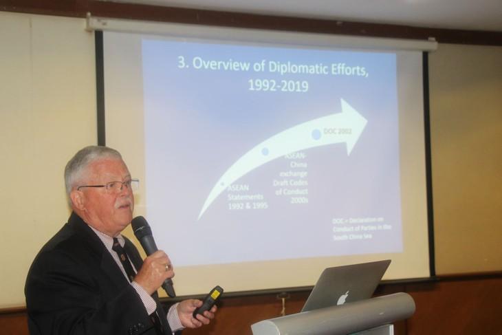 Resolver disputas territoriales en Mar Oriental tema central de un seminario en Kuala Lumpur - ảnh 1