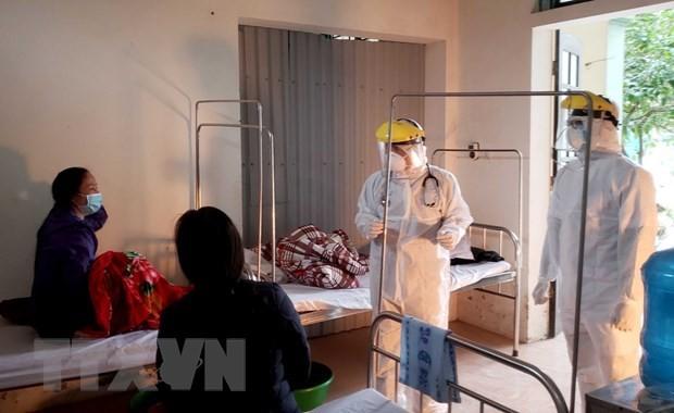 Médicos en Binh Xuyen combaten la epidemia del Covid-19 - ảnh 10