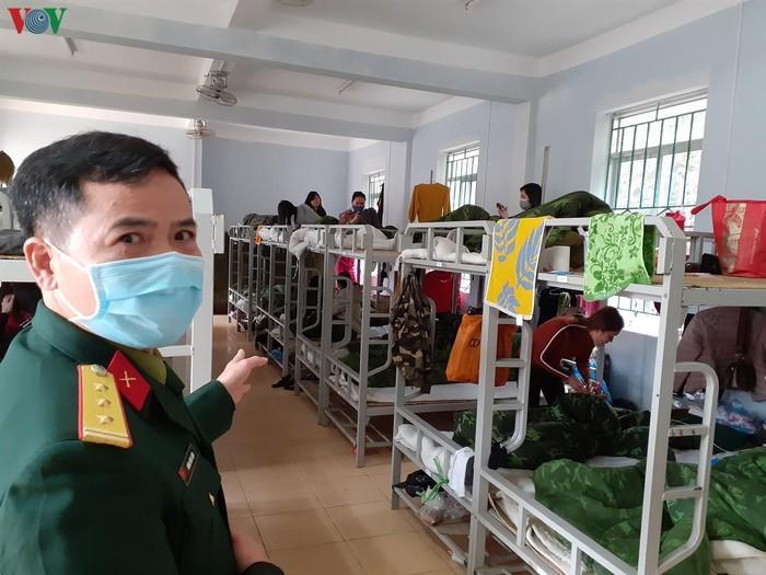 Vietnam promete garantizar mejores condiciones a las personas aisladas por Covid-19 - ảnh 1