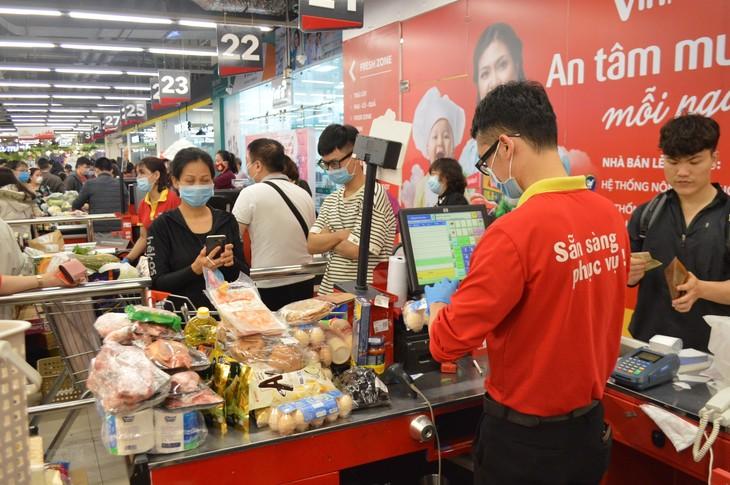 Hanói promete suministrar suficientes bienes esenciales a la población - ảnh 1