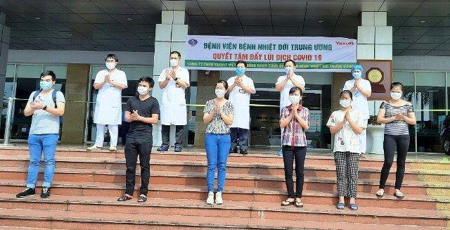 Otros ocho pacientes de coronavirus se recuperan completamente en Vietnam - ảnh 1