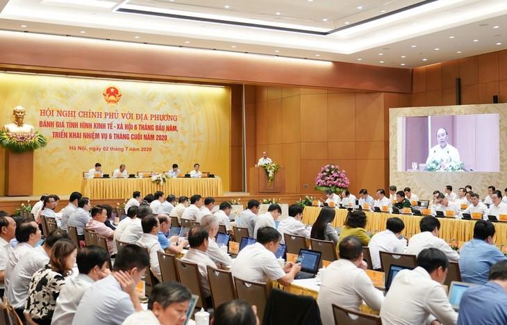 Especialistas recomiendan soluciones para garantizar objetivos de crecimiento de Vietnam en 2020 - ảnh 1