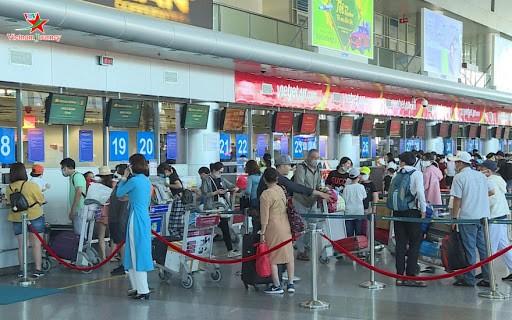 Da Nang suspende actividades académicas, eventos públicos y servicios turísticos por covid-19 - ảnh 1