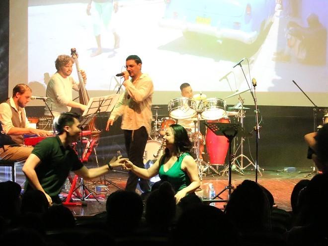 "Latin Irations Collective trae a Hanói un singular ""color musical latino"" - ảnh 1"