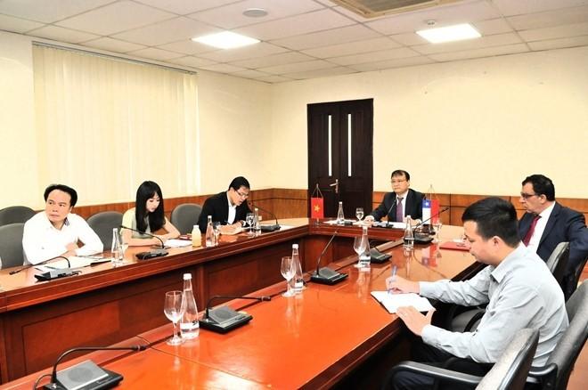 Vietnam y Chile por promover la cooperación económica y comercial - ảnh 1