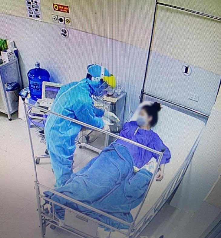 Los abnegados médicos en la batalla contra el covid-19 en Vietnam - ảnh 2