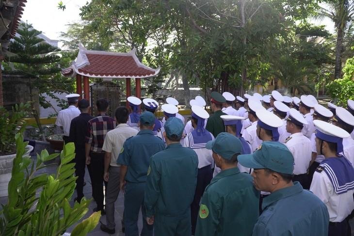 Rinden homenaje a los mártires en la batalla de Gac Ma - ảnh 1