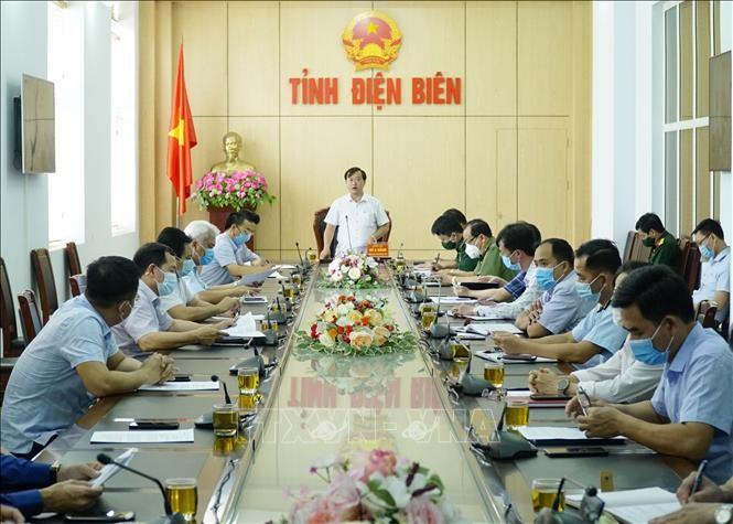 Localidades vietnamitas aplican medidas de emergencia contra el covid-19 - ảnh 1