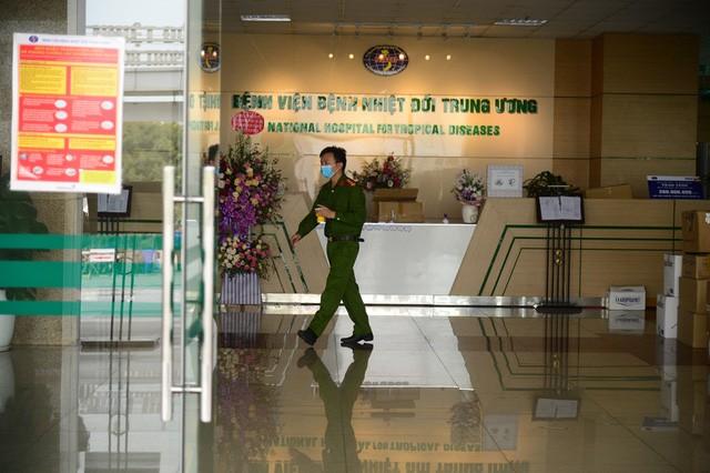 Localidades vietnamitas aplican medidas de emergencia contra el covid-19 - ảnh 2