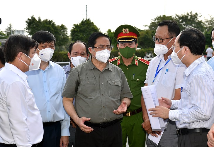 Vietnam busca aplicar medidas más estrictas y eficientes para contener el covid-19 - ảnh 1